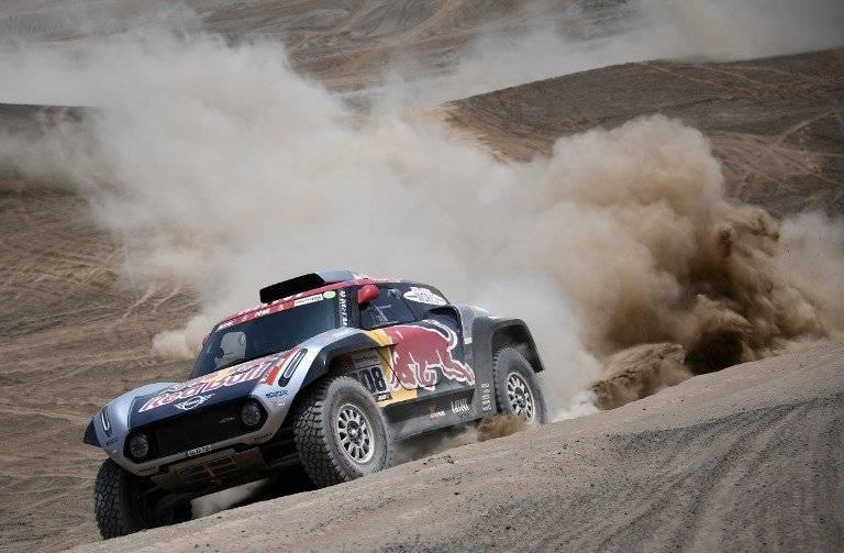 Cyril Despres, Carlos Sainz y Nasser al-Attiyah, son favoritos en el Rally Dakar 2019. AFP