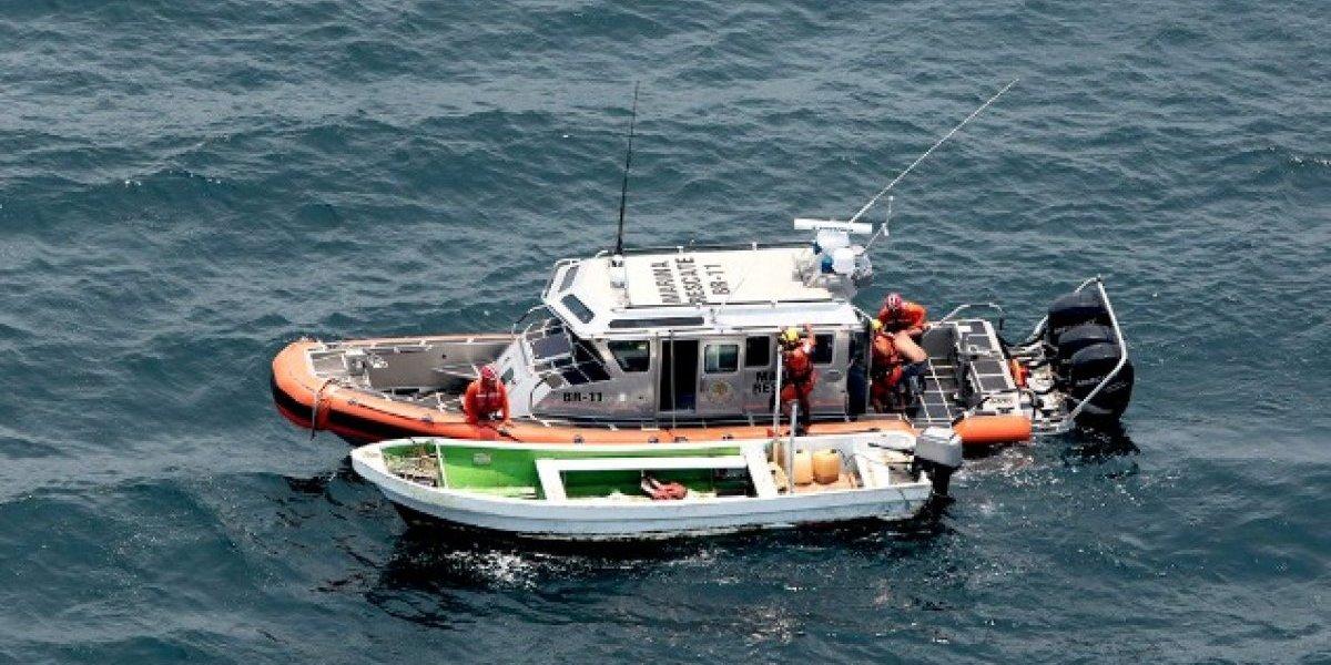 Elementos de la Marina rescatan a náufragos desaparecidos en Puerto Vallarta