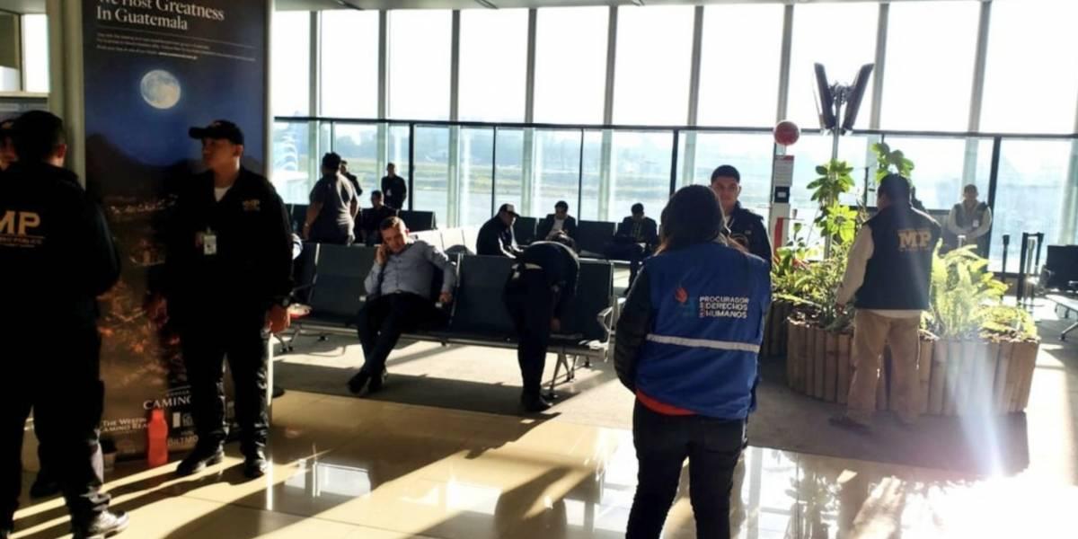 Funcionario de la CICIG permanece en el aeropuerto La Aurora