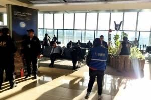 Yilen Osorio sigue en el aeropuerto La Aurora