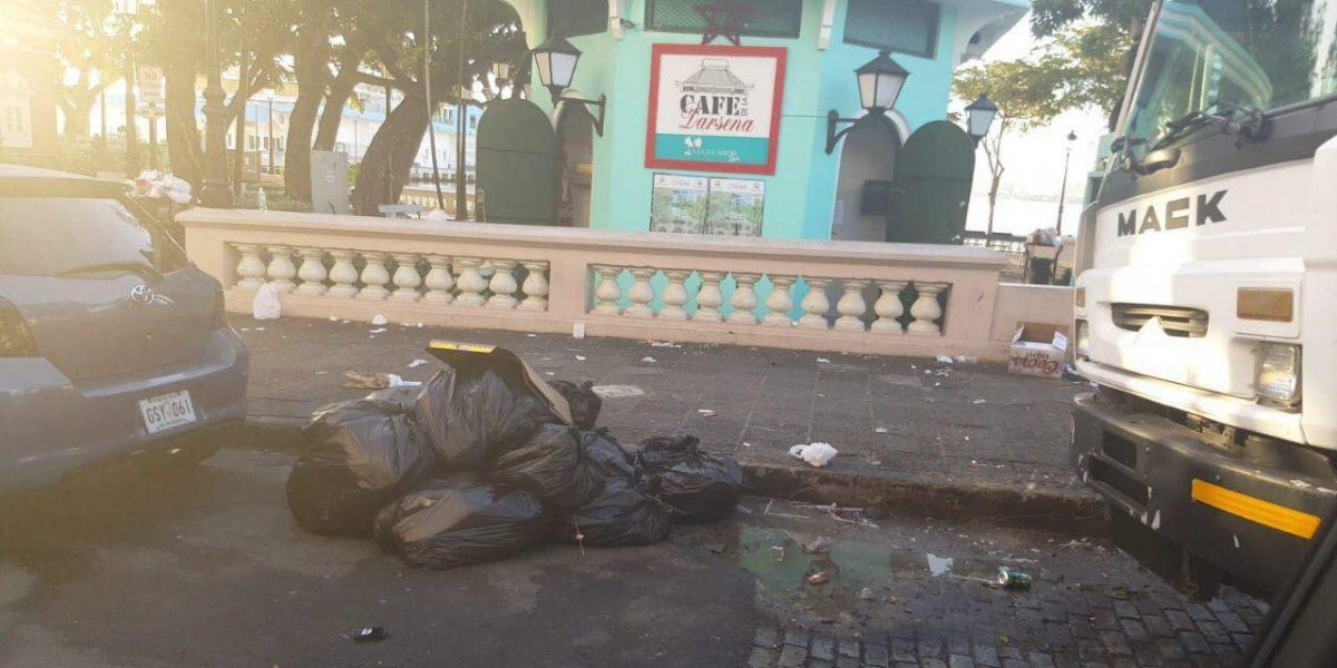 Amanece Plaza del Viejo San Juan repleta de basura