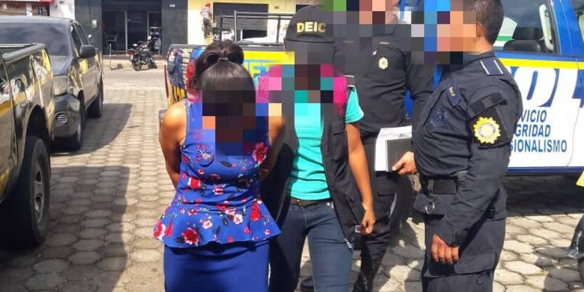 Detienen a mujer señalada de explotar sexualmente a su hija