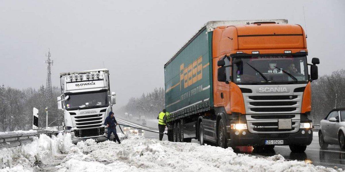 Nevadas en Europa provocan accidentes con varios muertos