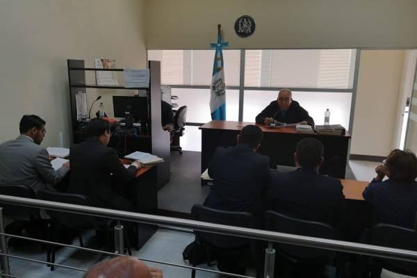 Audiencia de delegados de Migración capturados por no permitir ingreso de funcionario de CICIG