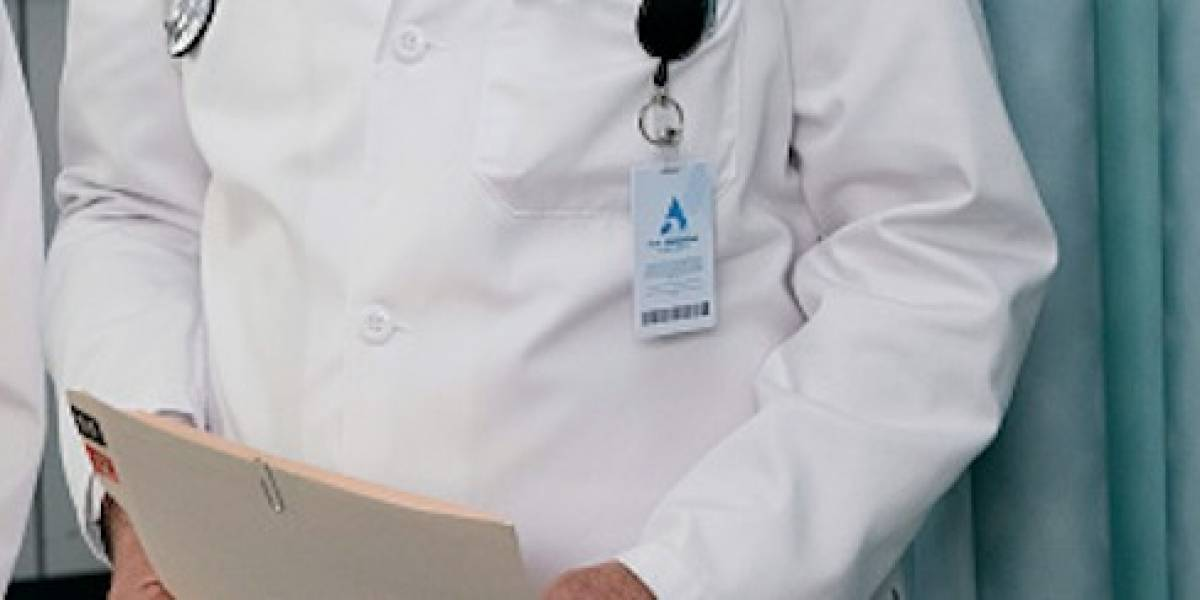 IESS desmintió contratación de profesionales en áreas de salud