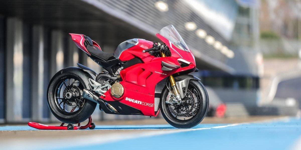 Ducati revela su nueva y extrema Panigale V4 R