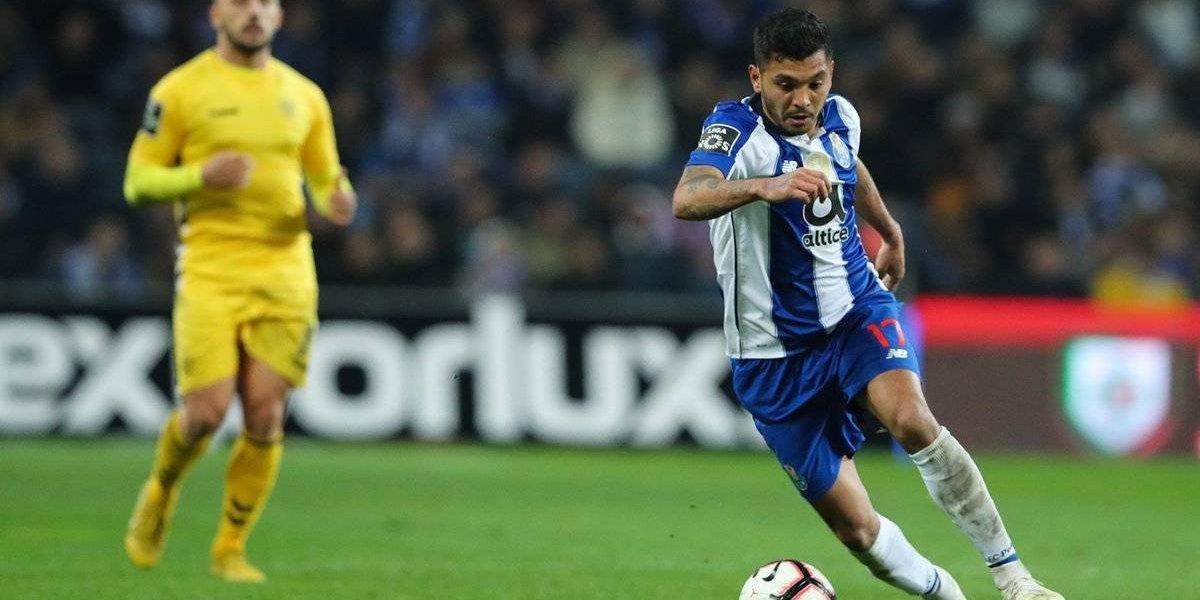 Tecatito colabora con asistencias en triunfo del Porto