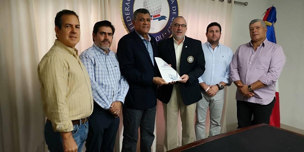 Carlos Elmudesi fue posesionado como nuevo presidente