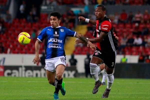 Edson Puch, de un irregular segundo semestre de 2018 en Querétaro, es pretendido por la UC y Colo Colo / Foto: Getty Images