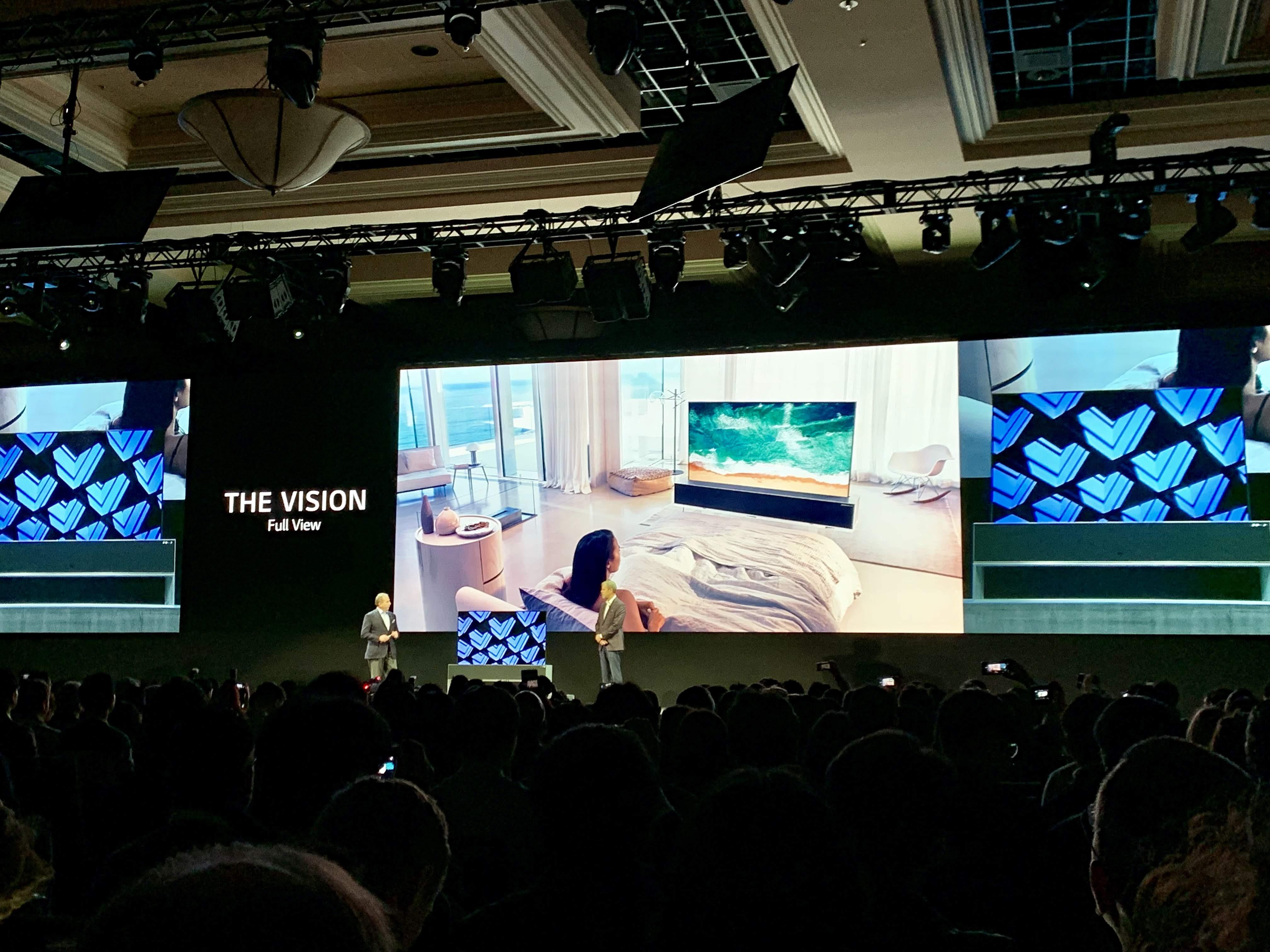 Así es el televisor OLED con pantalla enrollable de LG