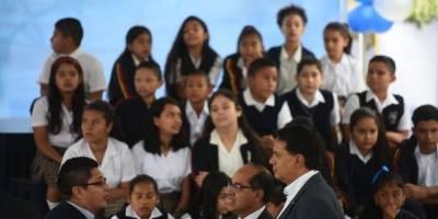 inauguran ciclo escolar 2019 - estudiantes