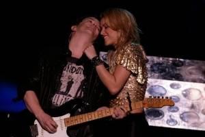 Medio español asegura que Shakira tuvo romance con Cerati