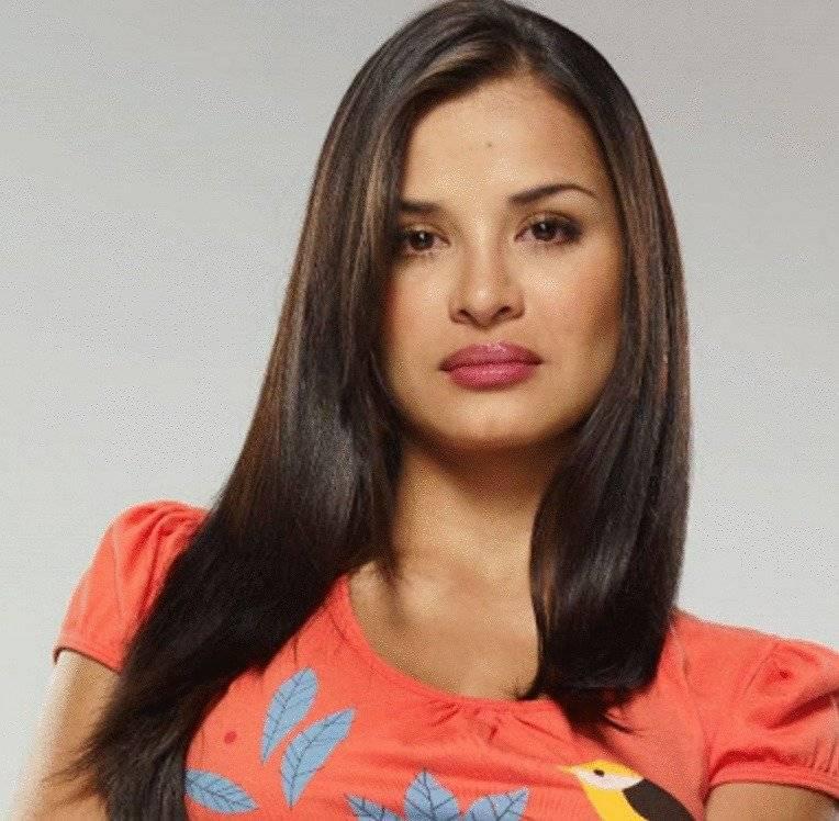 Yuly Ferreira interpretó a Renata Gómez