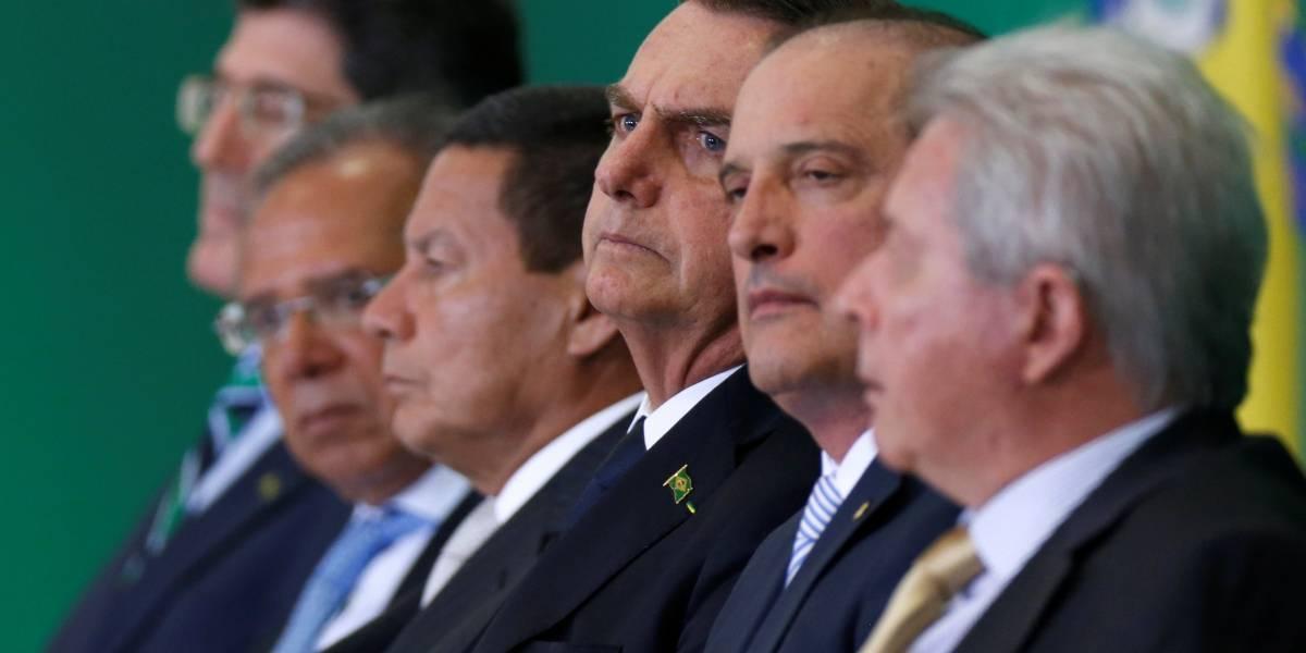 Bolsonaro reúne equipe de governo para propor enxugamento nos ministérios