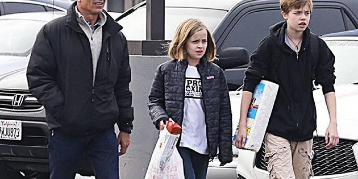 Brad Pitt está furioso con Angelina Jolie por una razón que involucra a sus hijas