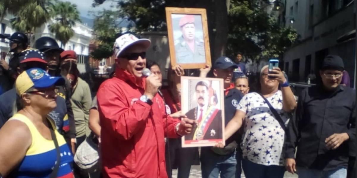 """""""El que tenga bolas, agarre un fusil"""": colectivos chavistas prometen defender a Maduro a sangre y fuego"""