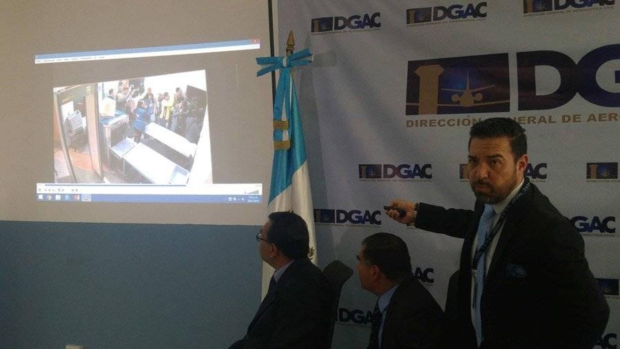 Francis Argueta explica video proyectado