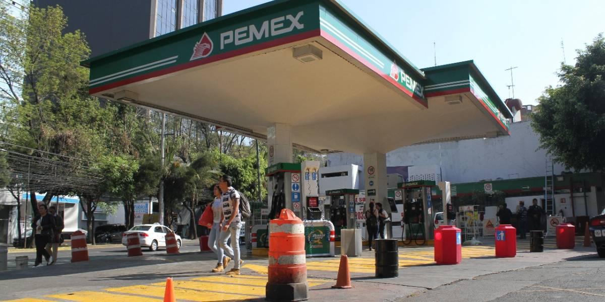 Pemex descarta desabasto en CDMX; pide no hacer compras de pánico