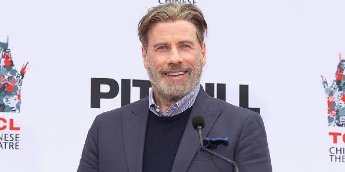 John Travolta sorprende con su cambio de look