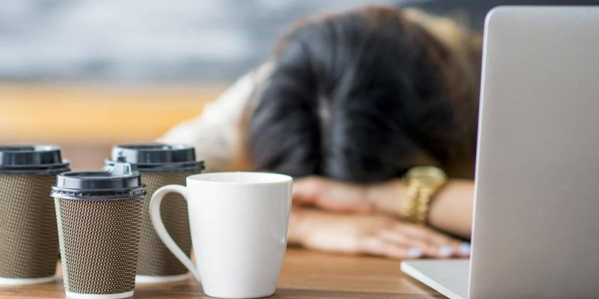 Dormir en el trabajo: Así se combate la epidemia del insomnio en Japón