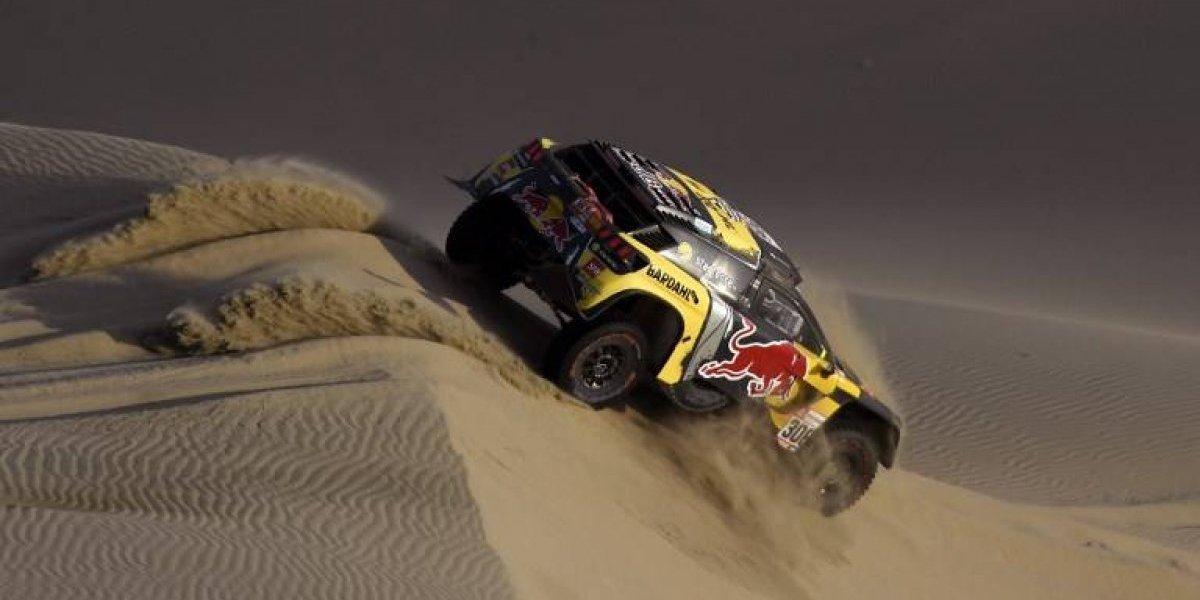 Loeb celebra y De Villiers en nuevo líder del Dakar