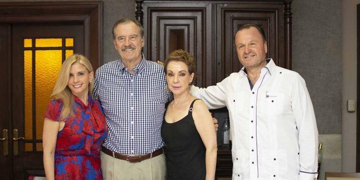 #TeVimosEn: Fundación Cristina Mundial agasaja a expresidente Vicente Fox