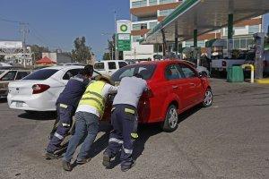 Piden sancionar venta de gasolina en bidones; ley de Jalisco sí lo permite
