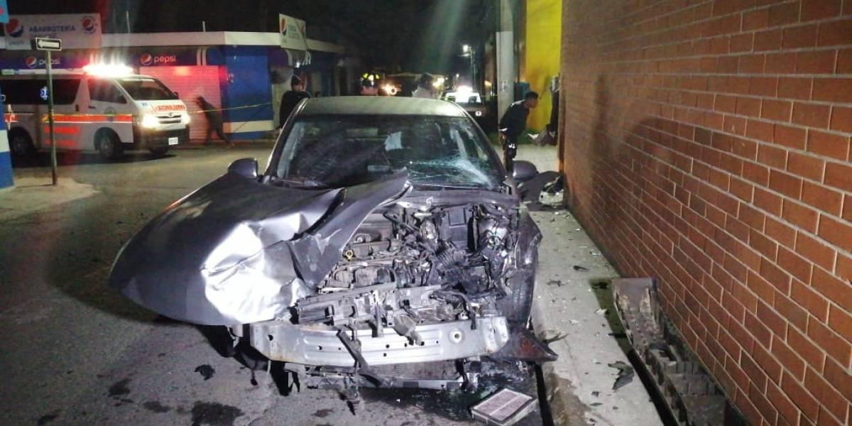 Un muerto y un herido tras accidente de tránsito en San José Pinula