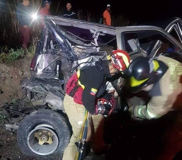 Cuatro fallecidos y tres heridos tras un accidente de tránsito en Ibarra Twitter BOMBEROS DE IBARRA