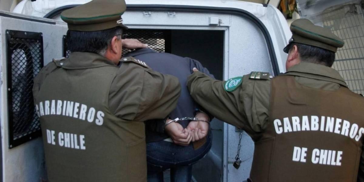 Valparaíso: detienen a guardia de tienda acusado de grabar a mujeres mientras se probaban ropa