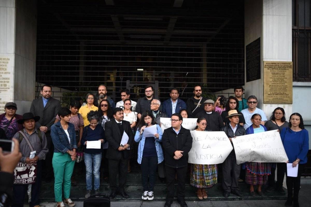 manifestación a favor de CICIG frente a la CC