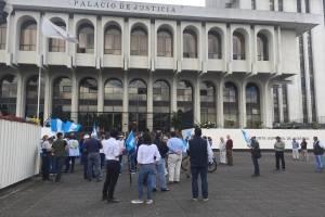 manifestación contra CICIG frente a la CSJ