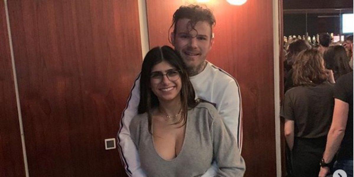 FOTO. Mia Khalifa y su novio se vuelven tendencia al posar desnudos en la bañera