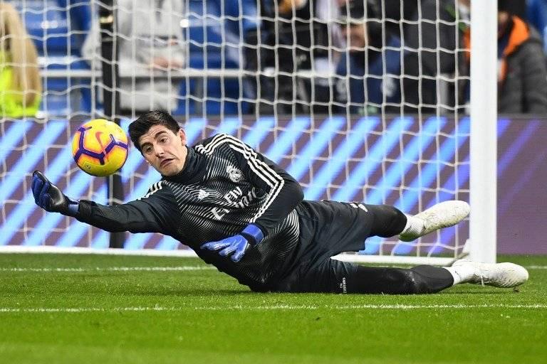 Lo que le faltaba al Madrid: Courtois cae lesionado