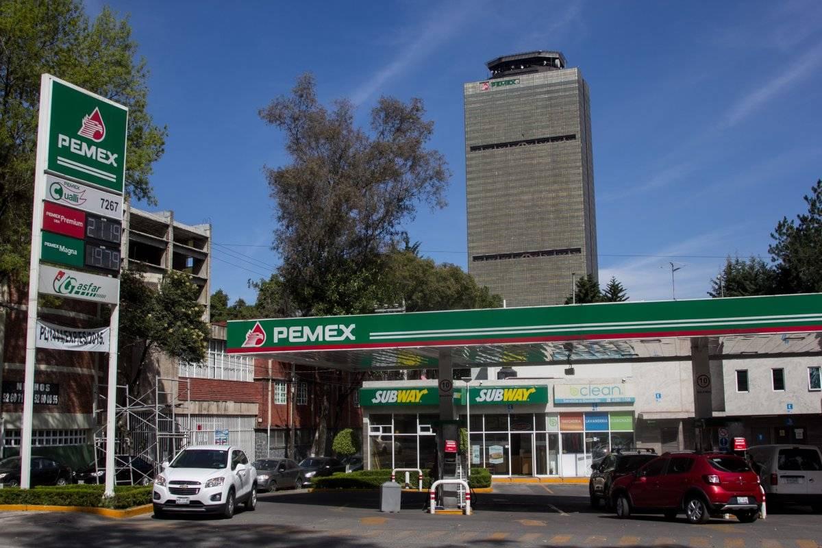 Pemex exhortó a los mexicanos a evitar compras de pánico. Foto: Cuartoscuro