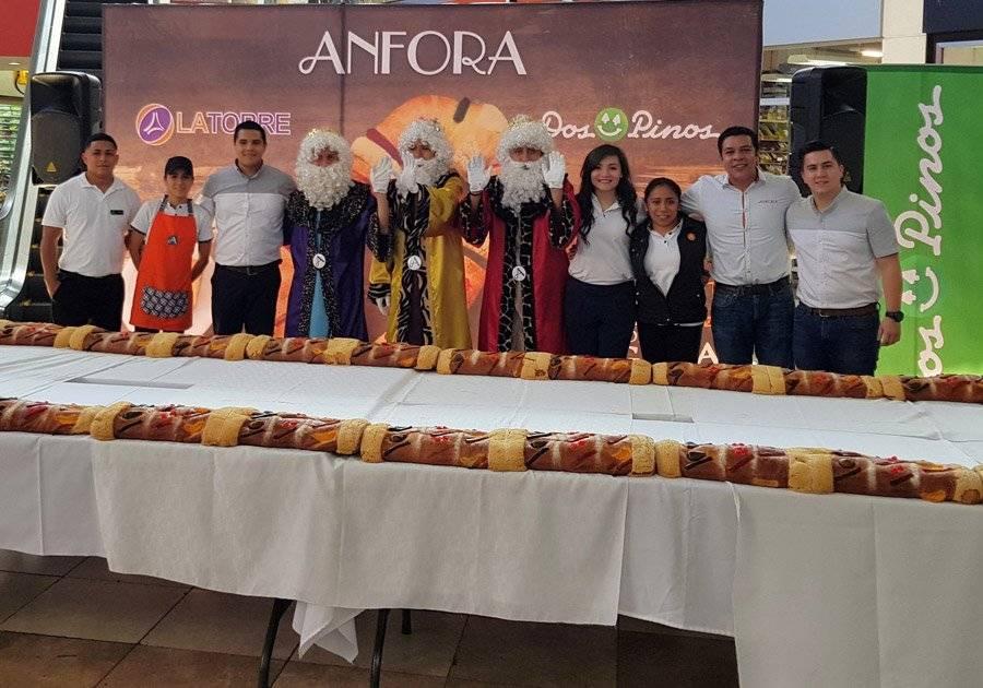 Rosca de Reyes gigante de Anfora