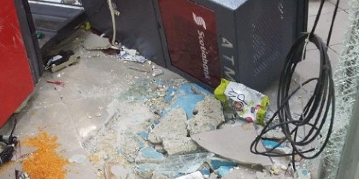 Ladrones rompen entrada de gasolinera en Hormigueros