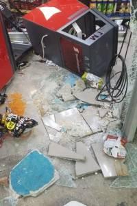 Ladrones rompen entrada de gasolinera en Hormigueros pero no logran robarse ATM