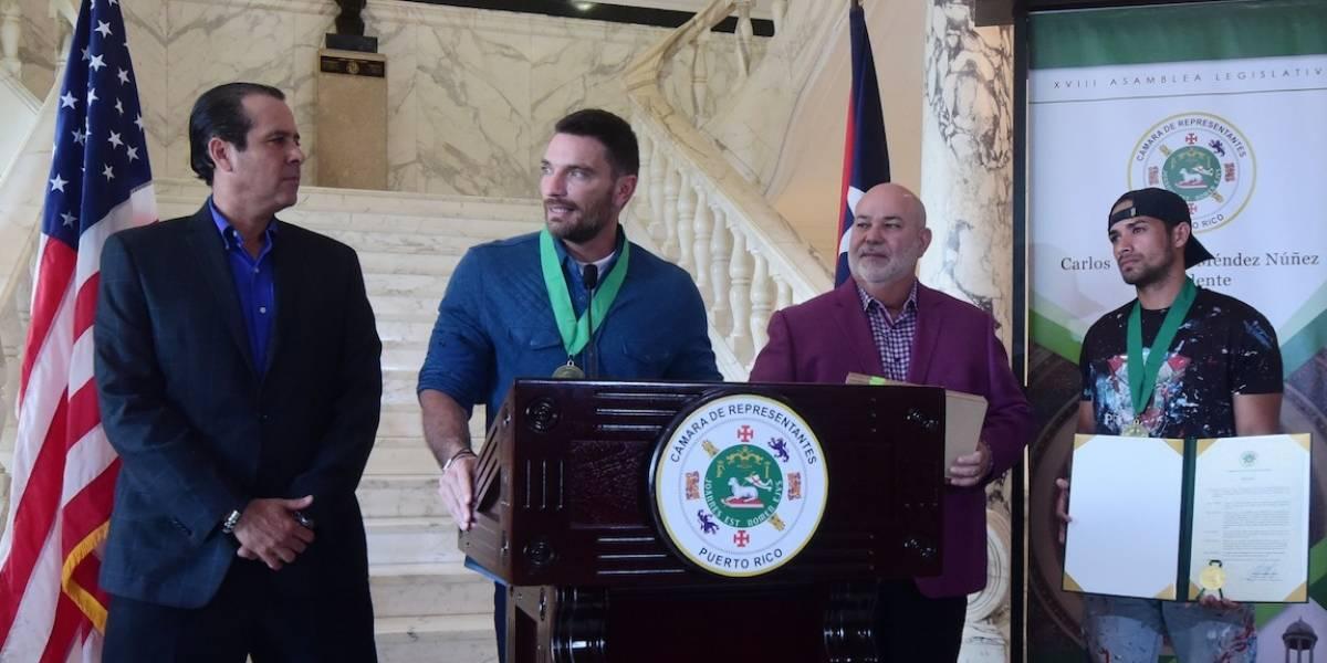 Legislatura reconoce a Julián Gil y Héctor Collazo