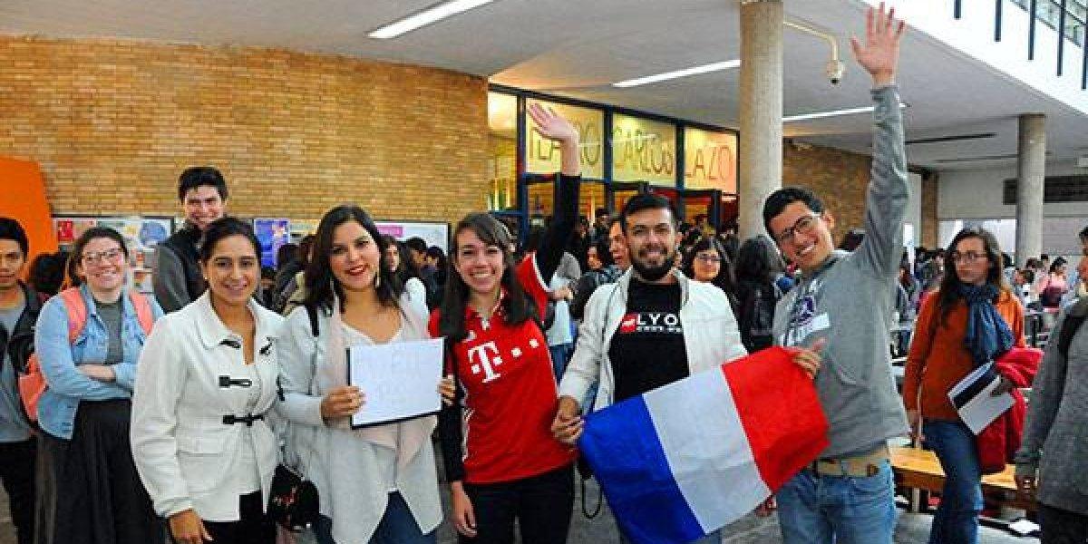 En un año, más de tres mil alumnos de la UNAM estudiaron en otros países