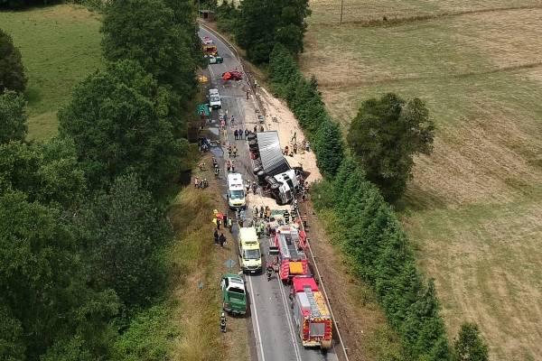 Grave accidente en Valdivia deja al menos ocho muertos