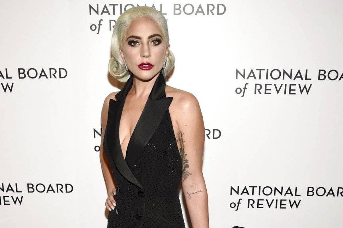 Revelan foto nunca antes vista de Lady Gaga, al natural con casi 20 años menos