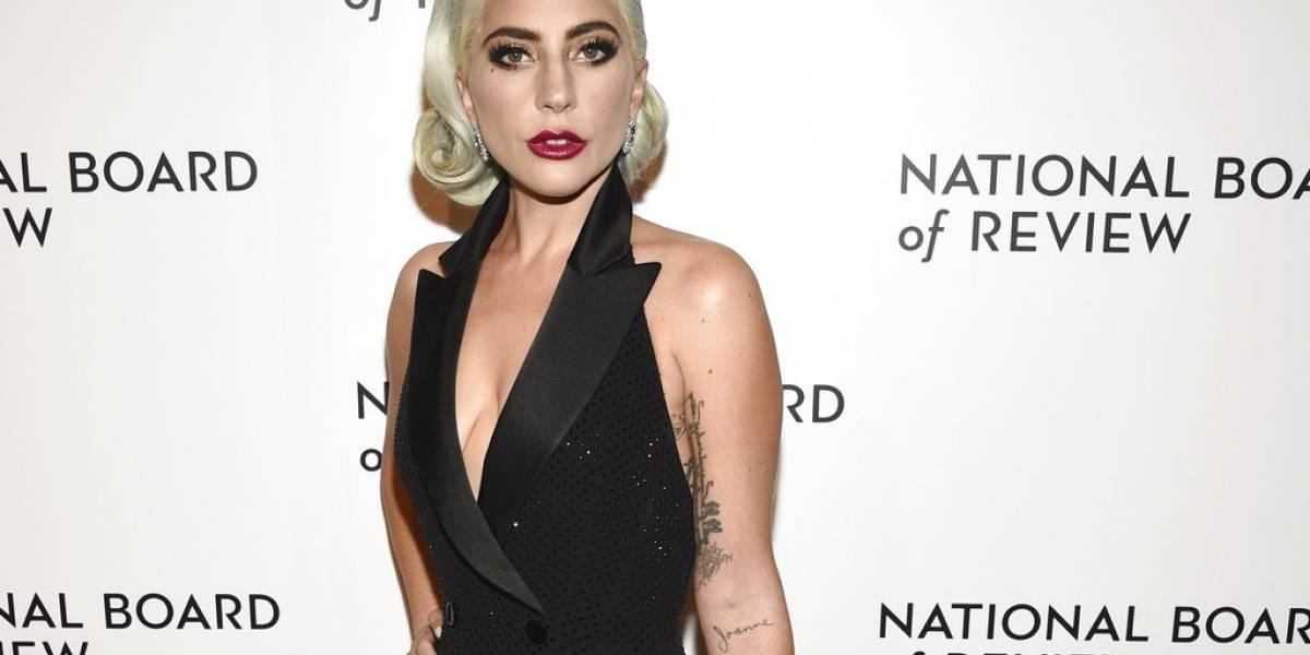 Lady Gaga se disculpa por colaboración con R. Kelly y borra el video