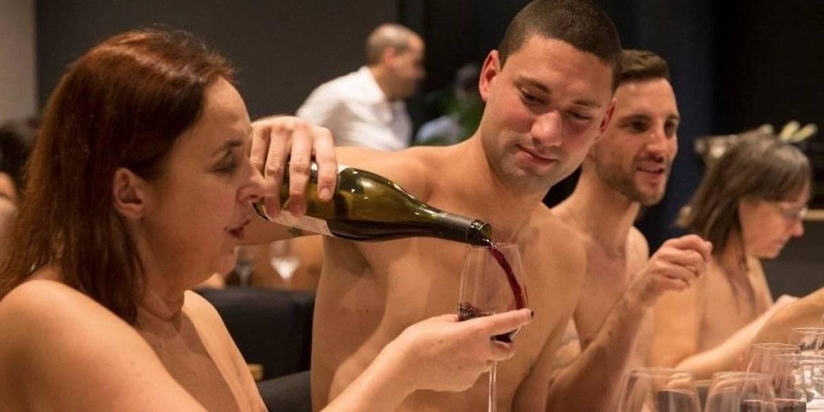 El primer restaurante nudista de París cerrará sus puertas por falta de clientes