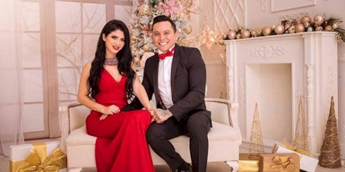 """Haters destrozan a Kim Flores por su """"horrendo"""" atuendo en la luna de miel"""