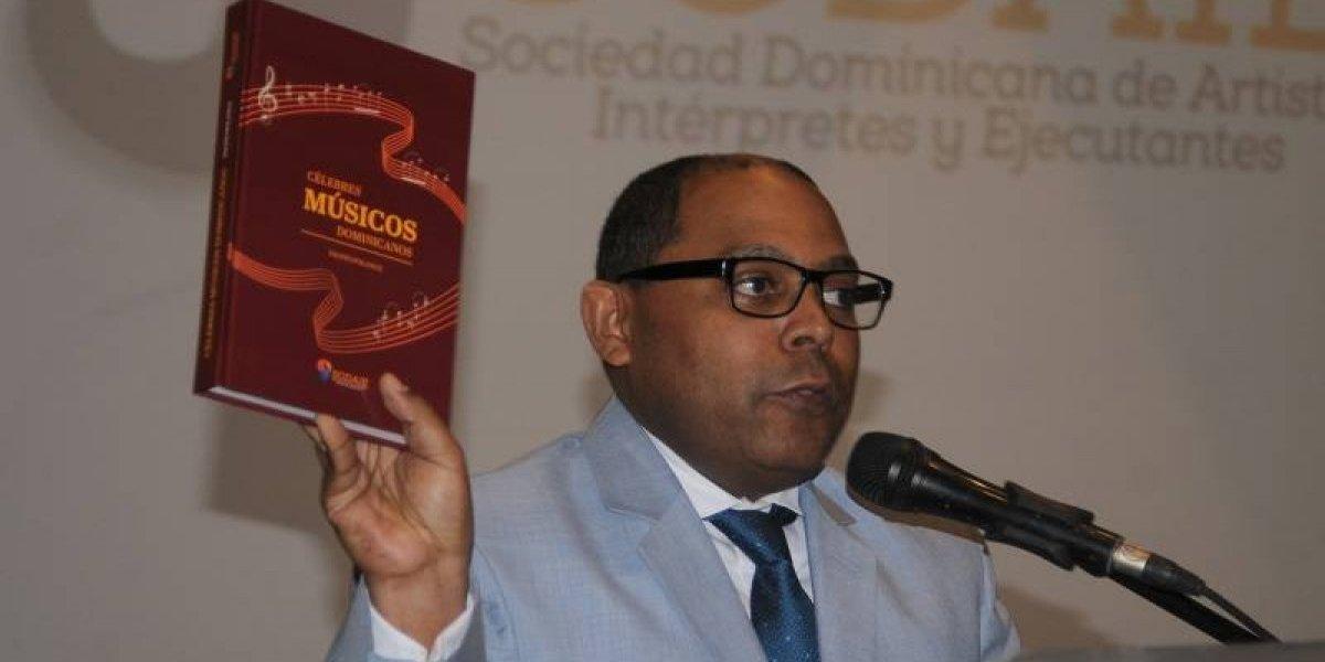 """La vida de 84 artistas narradas en el libro """"Célebres músicos dominicanos"""""""