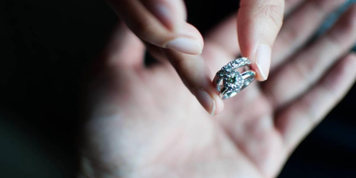 """En plena noche de bodas: hombre viola a su hija tras """"confundirla"""" con su nueva esposa"""