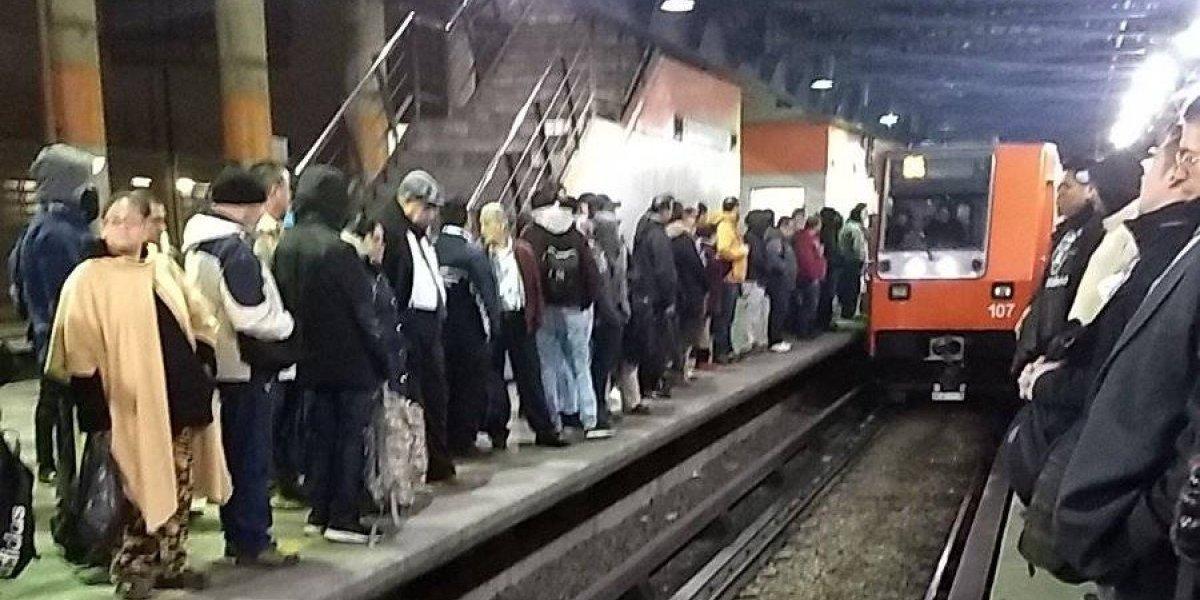 Usuarios reportan problemas en la Línea B del Metro