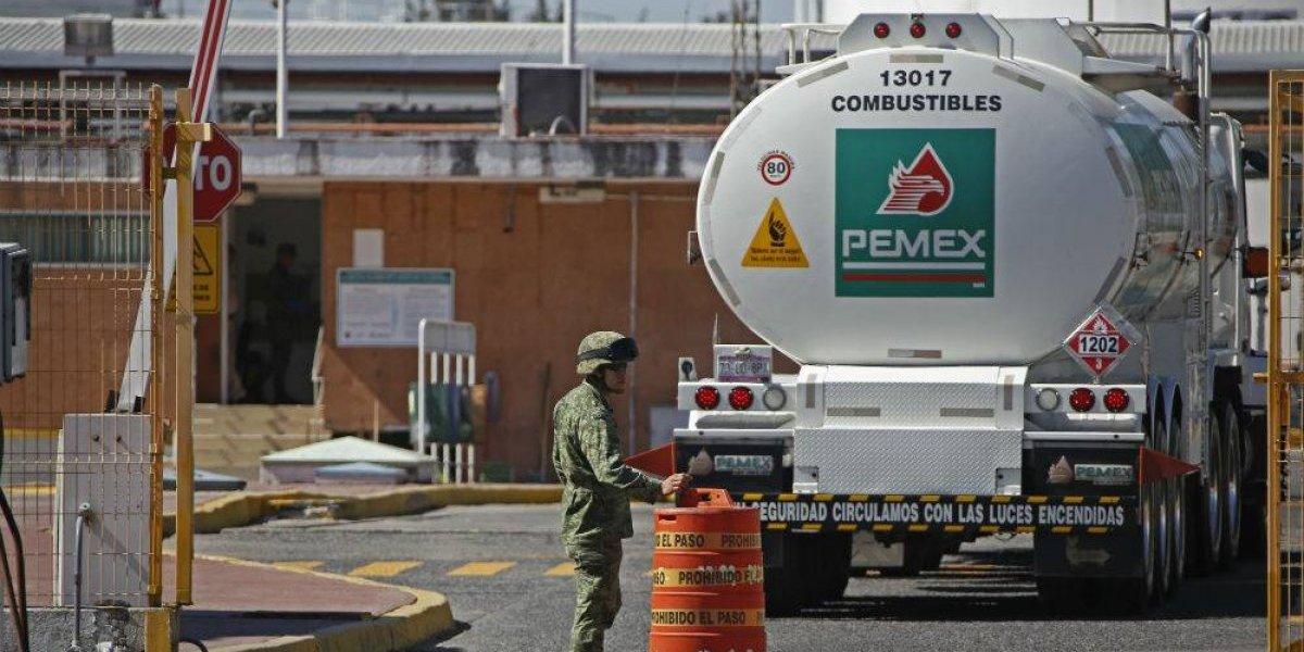 Detienen a probable huachicolero en instalaciones de Pemex