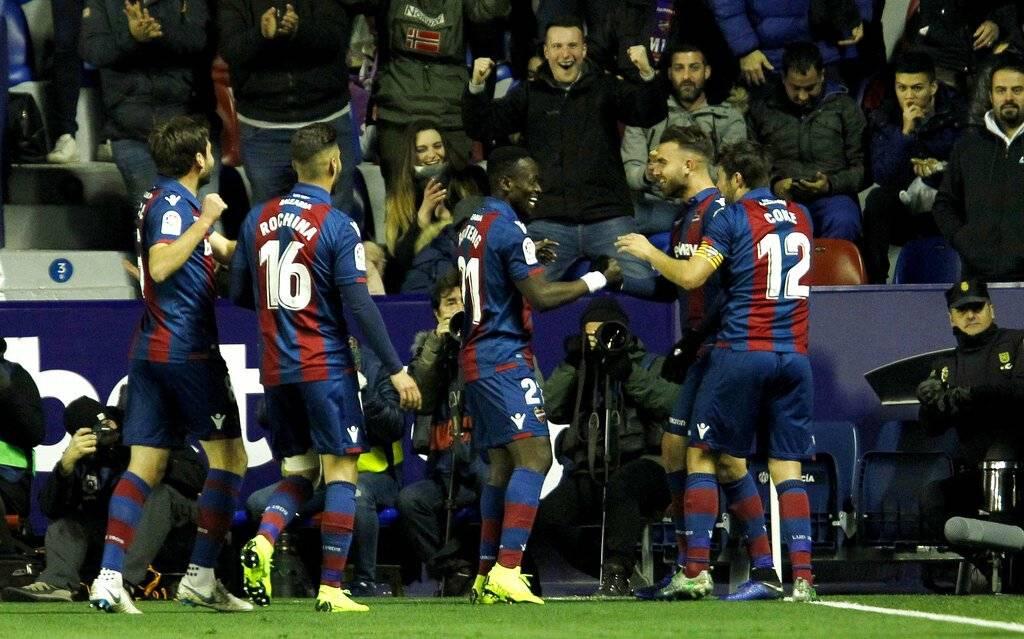 Gol del Levante contra el Barcelona